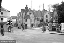 The Cross 1950, Bridgend