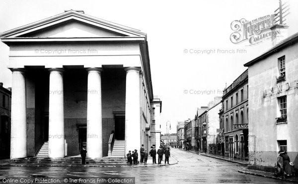 Bridgend, Wyndham Street And Town Hall 1910