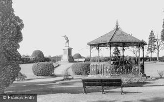 Bridgnorth, Cenotaph and Castle Grounds c1966