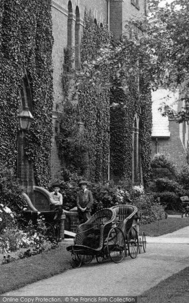 Bridlington, Bath Chairs, St Anne's Convalescent Home 1913