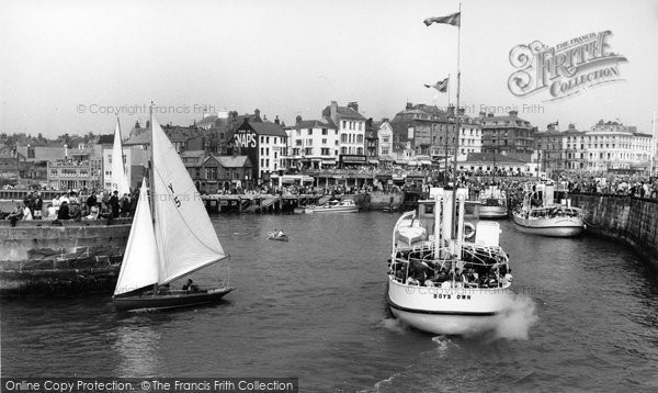 Bridlington, Boys' Own Leaving The Harbour c.1960