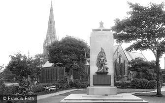 Bridlington, Church and War Memorial 1923