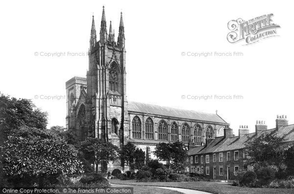 Bridlington, Priory Church And Bayle Gate 1903