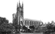 Bridlington, Priory Church And Bayle Gate 1903