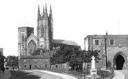 Bridlington, Priory Church And Bayle Gate 1923