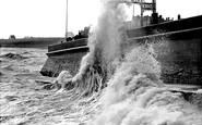 Bridlington, Rough Sea, South Side 1906