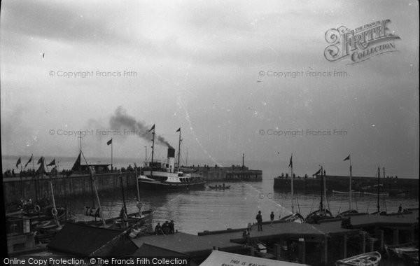 Bridlington, The Harbour 1947
