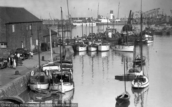 Bridlington, The Harbour 1948