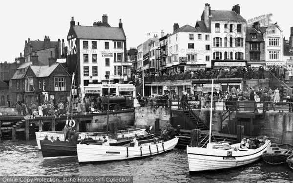 Bridlington, The Harbour 1954
