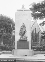 Bridlington, War Memorial 1923