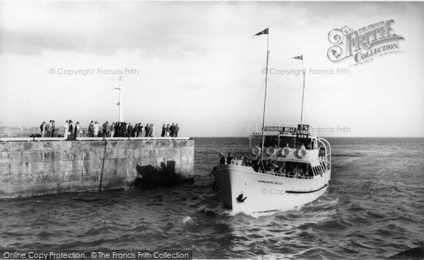 Bridlington, Yorkshire Belle Entering The Harbour c.1960