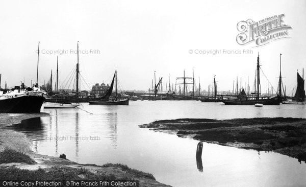 Brightlingsea, Sailing Barges 1907, Essex.  (Neg. 57563)  © Copyright The Francis Frith Collection 2005. http://www.francisfrith.com
