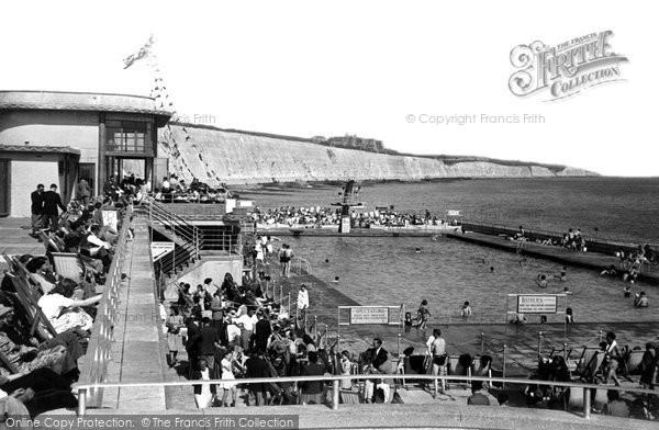 Brighton, Black Rock Bathing Pool c.1955