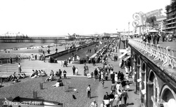 Brighton, The Beach And Putting Green c.1955