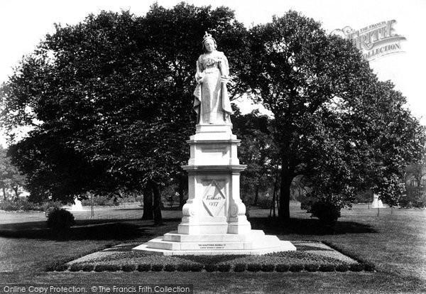 Brighton, Victoria Gardens 1898
