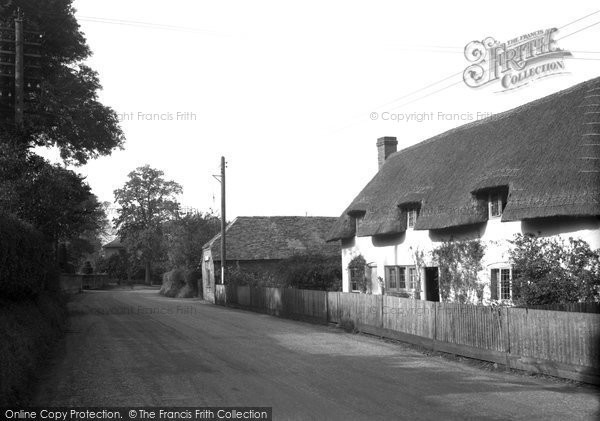 Photo of Brimpton, Post Office and Stores 1939
