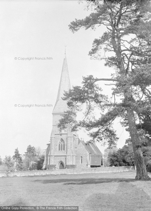 Photo of Brimpton, St Peter's Church 1952