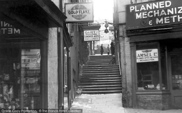 Photo of Bristol, Christmas Steps c1935