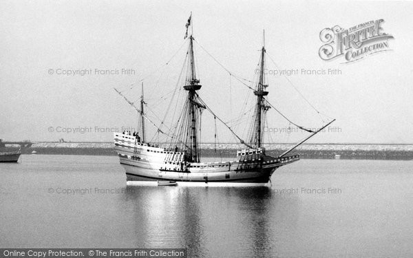 "Photo of Brixham, ""Mayflower II"" 1957"