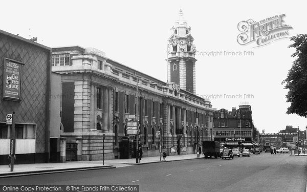 Photo of Brixton, Town Hall c1960