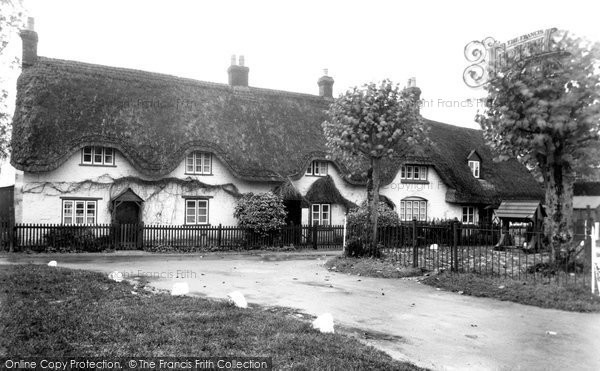 Photo of Broad Hinton, Cottages and Village Well c1945