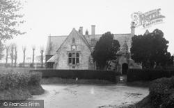 Broad Hinton, The School c.1955