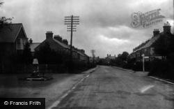 Broadbridge Heath, Portsmouth Road And War Memorial 1924