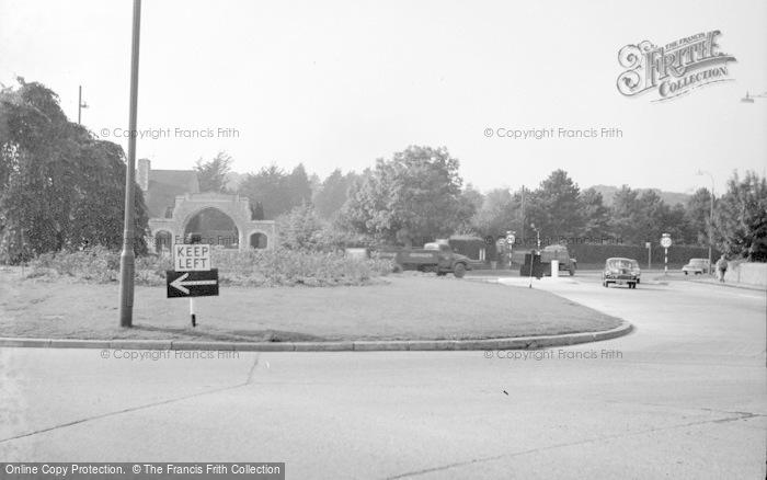 Photo of Broadwater, Broadwater Roundabout 1963