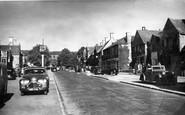 Broadway, High Street c.1960