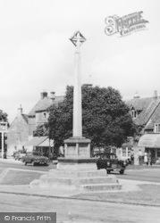 Broadway, The Green, War Memorial c.1960