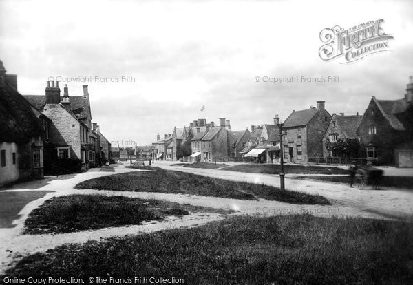 Broadway, The Village 1899