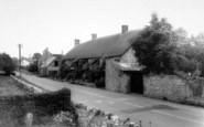 Broadway, Tudor Cottages c.1960