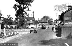 Brockenhurst, The Railway Crossing 1949
