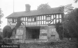Bromfield, Priory Gateway 1924