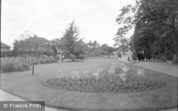 Bromley, Library Gardens 1957