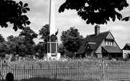 Bromley, The Memorial, Martins Hill 1957