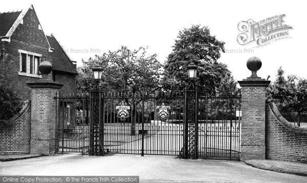 Bromsgrove, School, The Main Gates c.1955