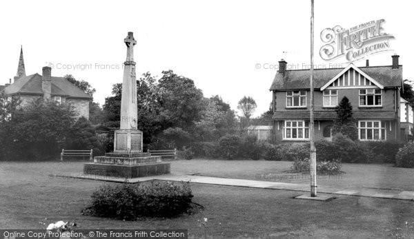 Photo of Broughton Astley, The Memorial c.1967