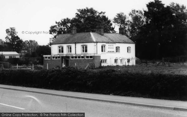 Photo of Broughton Astley, White Horse Inn c.1960