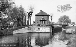 Broxbourne, The Lock And Weir c.1955