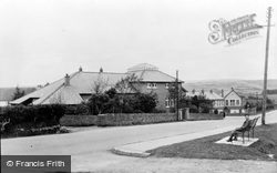 Bryncethin, Memorial Hall And School 1938