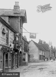 The Lion Hotel 1906, Buckden