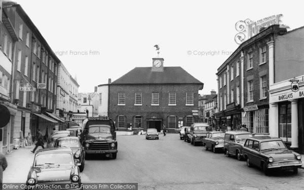 Buckingham, Market Square c.1965