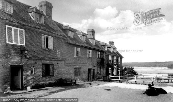 Bucklers Hard, The Chapel And Hotel c.1960