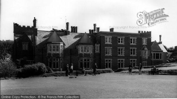 Bude, Bowling Green & Efford Down Hotel c.1960
