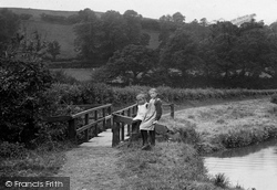 Bude, Girls On The Canal 1920
