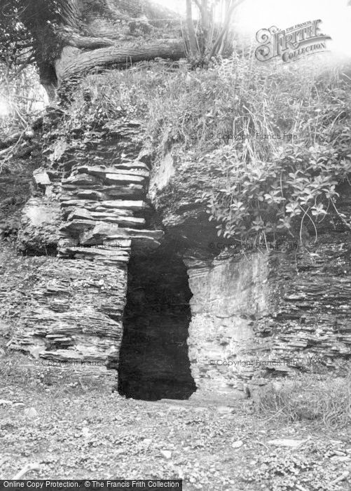 Photo of Builth Wells, Prince Llewellyn's Cave 1936