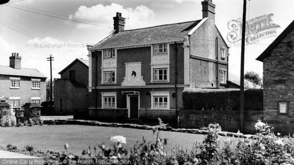 Bunbury, Nags Head Hotel c.1960