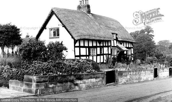 Bunbury, Tudor Cottage c1960