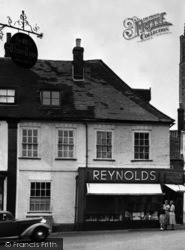 Bungay, Reynolds Grocery Store, Old Market Place 1957